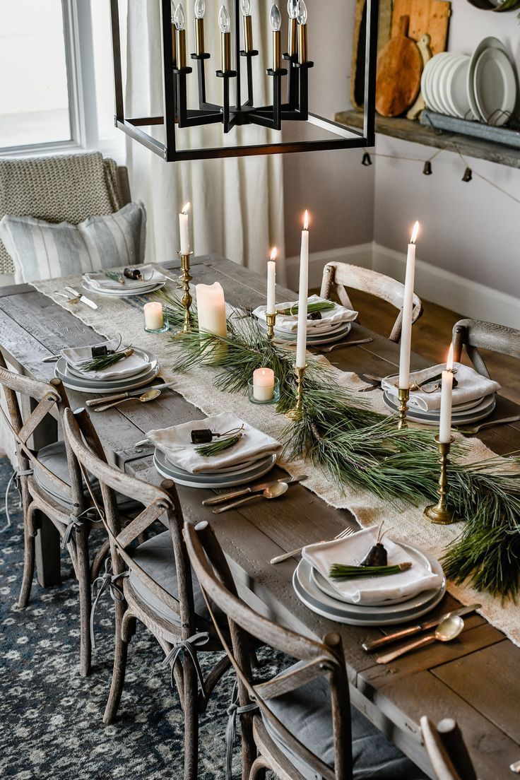 10 Beautiful Christmas Tablescapes to Inspire Your Holiday Decorating #rustichouse