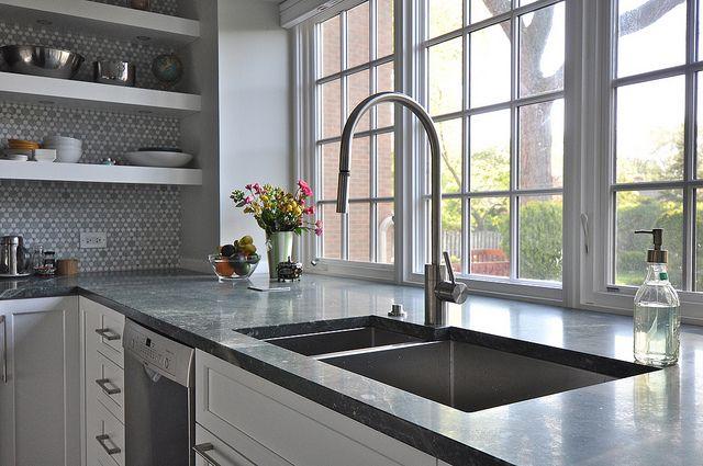 Rachel Justmakeit Via Gardenweb S Kitchens Forum Kitchen Sink Sizes Kitchen Sink Window Window Over Sink