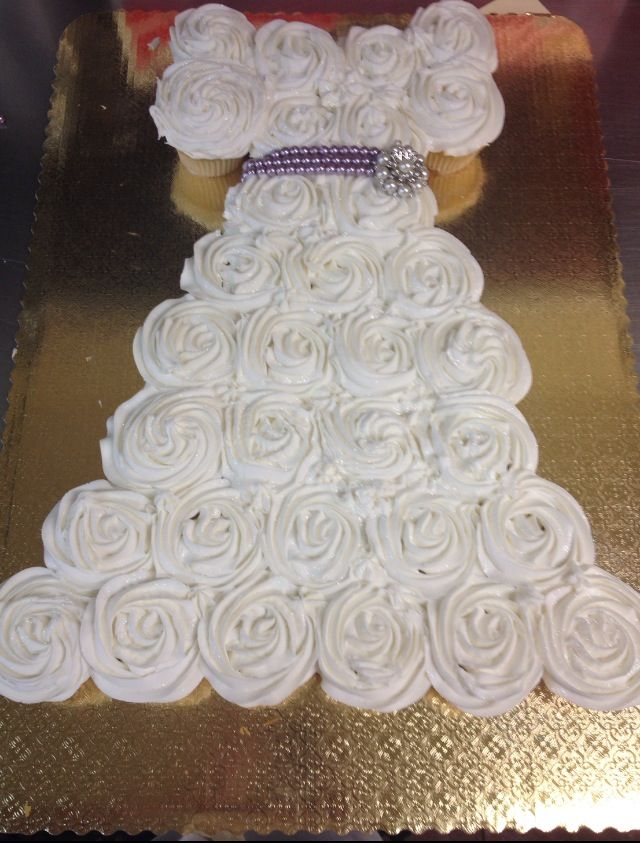 this is a creative bridal shower cupcake idea brought to us by one of our wonderful customers