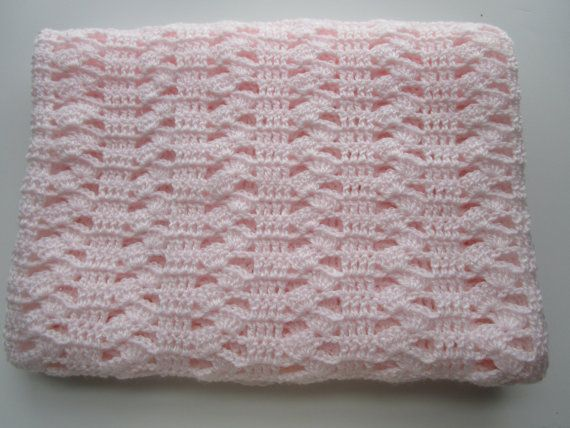 Interlocking Shell Stitch Easy Crochet Afghan by KathieSewHappy ...
