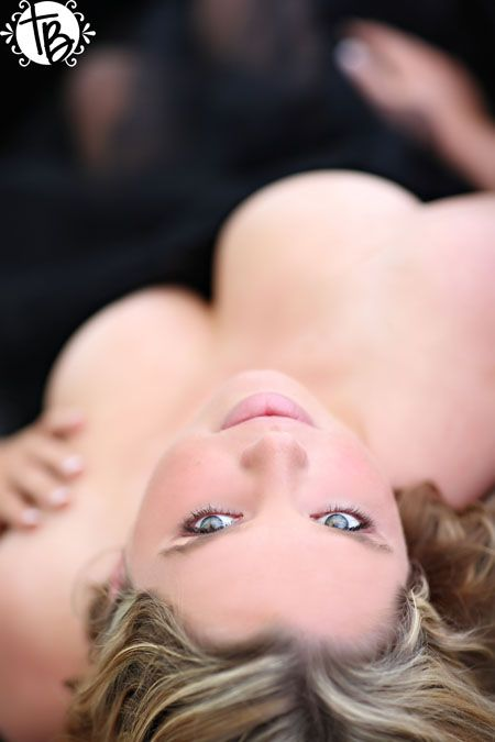 True Blue Intimates, boudoir photography, plus size boudoir, sexy pictures, tasteful, sensual photos, sexy pictures in orange county, professional photographer in socal, christmas, holiday season, valentine's day present, give the gift of you, gift idea