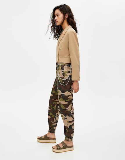 Pantalon cargo chino - pull&bear | Military jacket, Pull ...