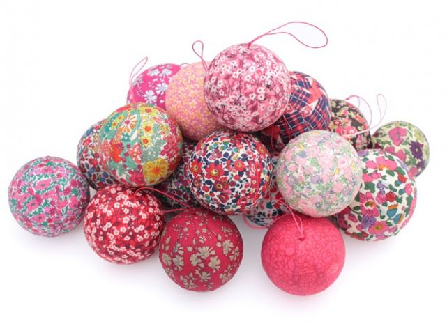 Boule de noel coloree kat de paris inspirations pinterest boules d - Pinterest boule de noel ...