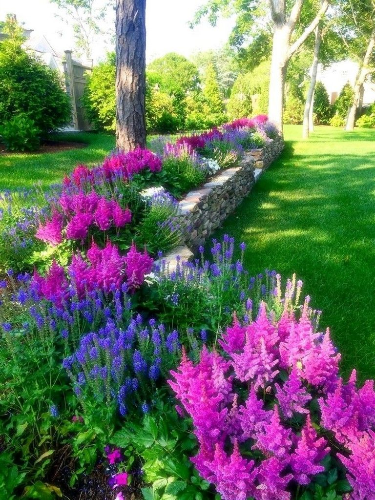 35 Exciting Front Yard Landscaping Ideas With Low Maintenance #frontyarddesign