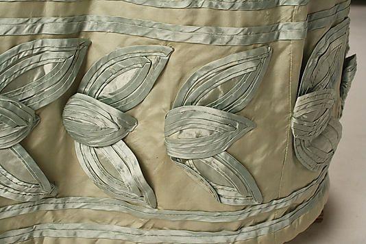 Dress    Date:      ca. 1820  Culture:      American  Medium:      silk