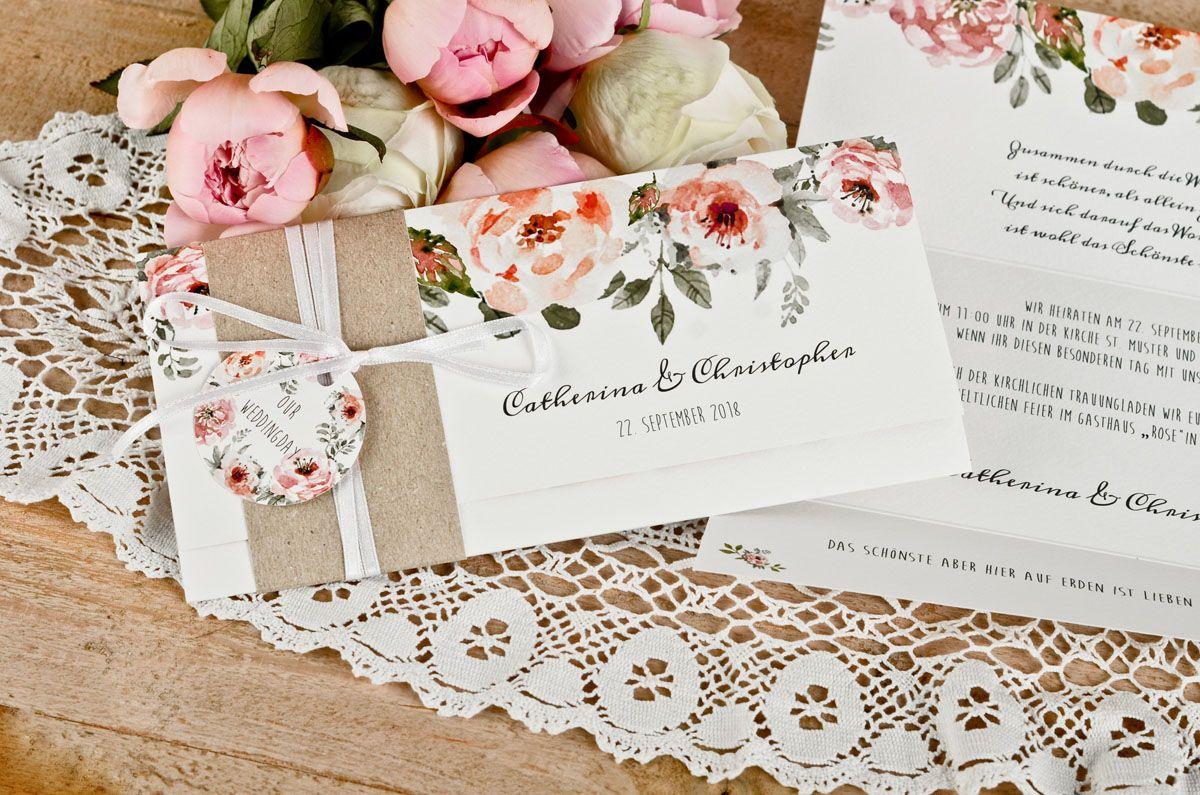 Vintage Einladung mit Kraftpapier BAnderole und süßem Anhänger und