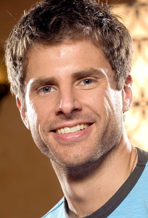 Season 1 James Roday looks soooo different from current