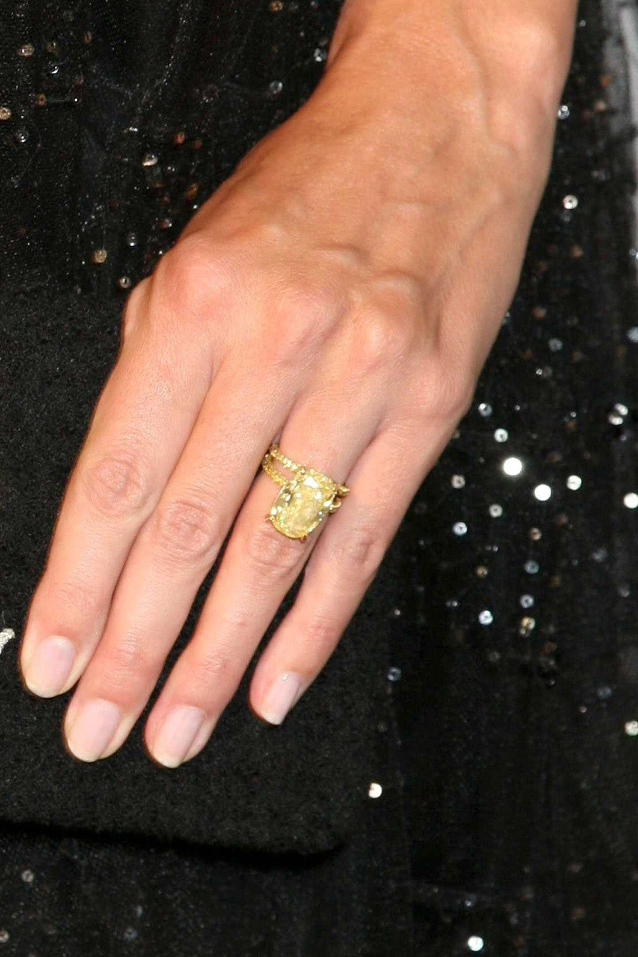 Exceptionnel Celebrity Engagement Rings Pictures U2013 Blake Lively, Beyonce, Olivia Palermo  (Vogue.com