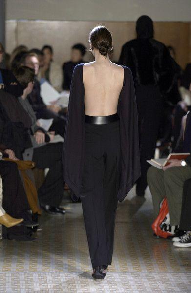 Hermès at Paris Fashion Week Fall 2003 - Runway Photos