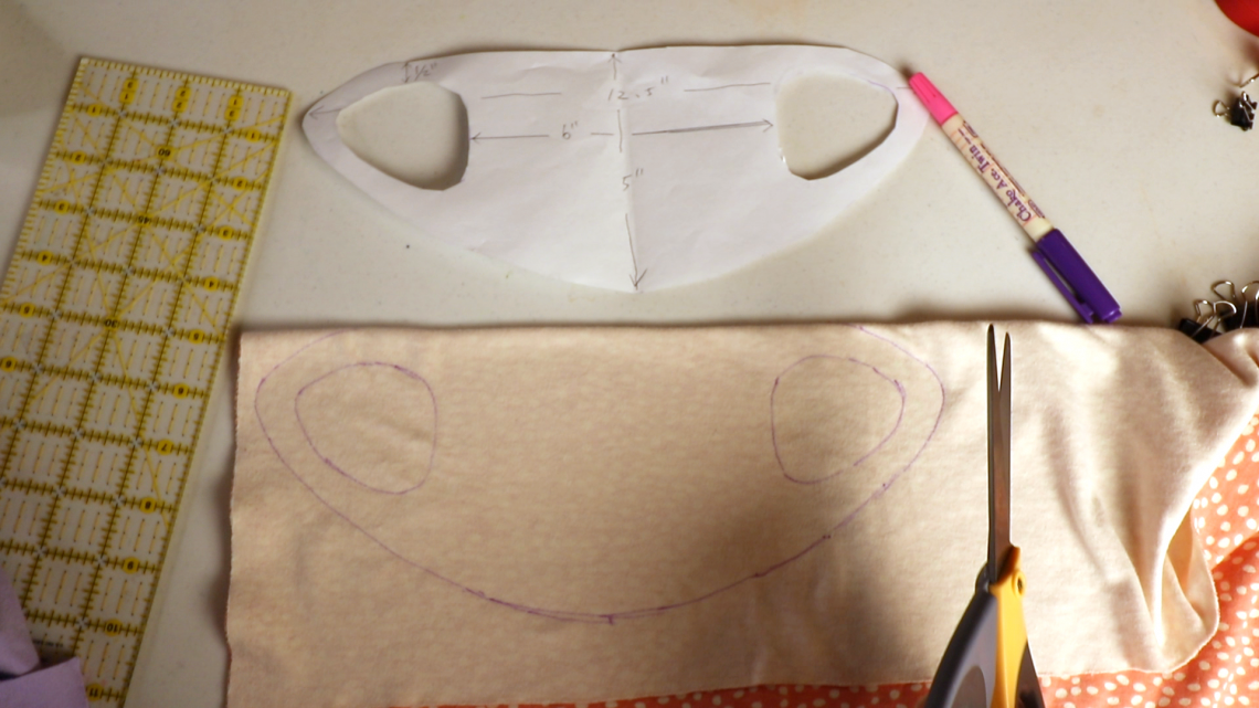Photo of Easy No-sew Face Mask with a T-shirt or Fleece (free pdf download)