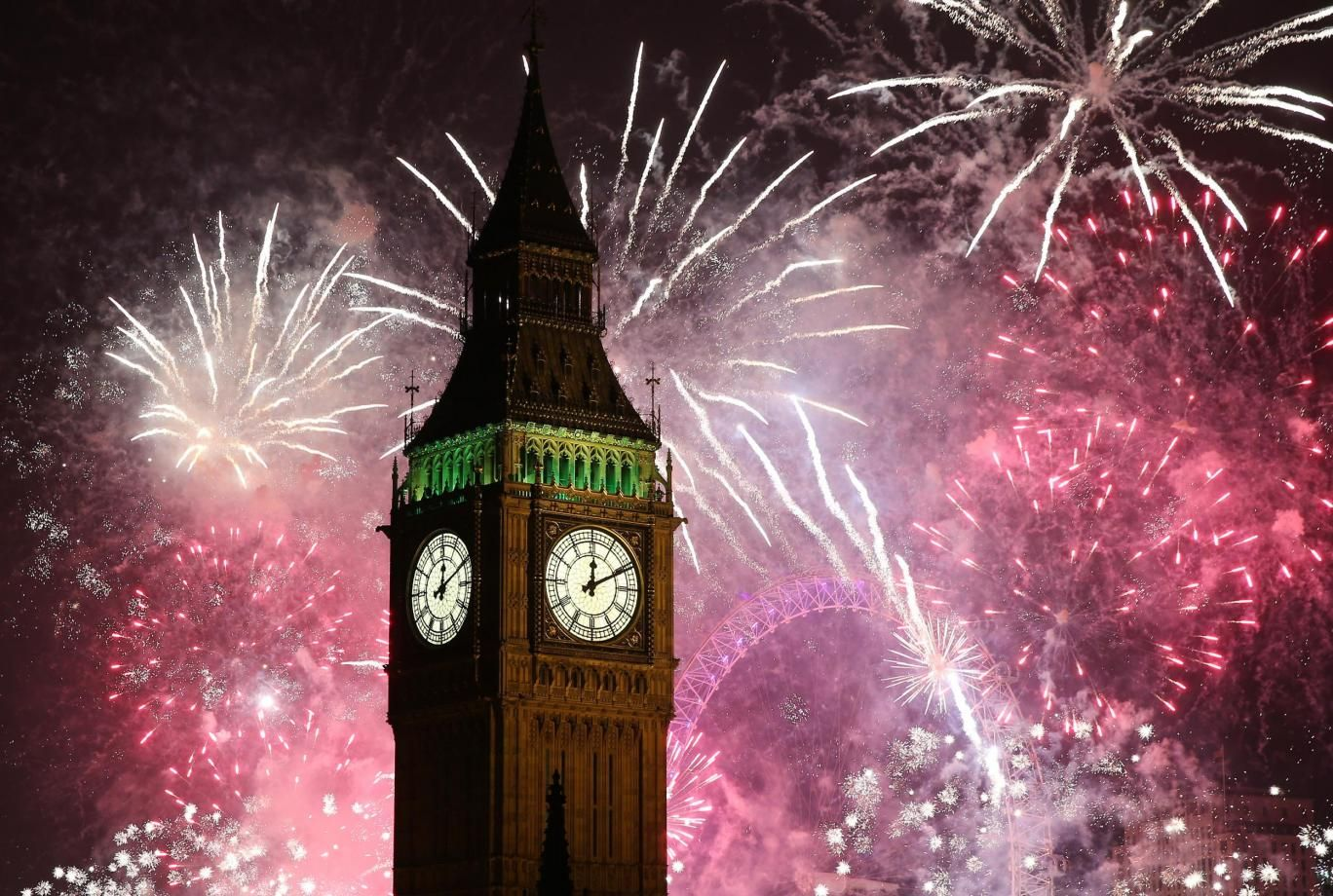 Aud Lang Syne Happy New Year Content In A Cottage Celebration Around The World New Year S Eve In London Newyear