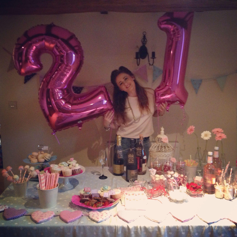 21st Birthday Table Arrangements: 21st Table Decorations