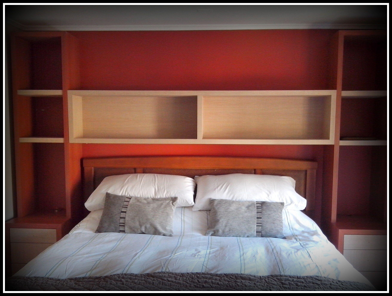 Diseño de cabecera y veladores para cama en dormitorio principal ...