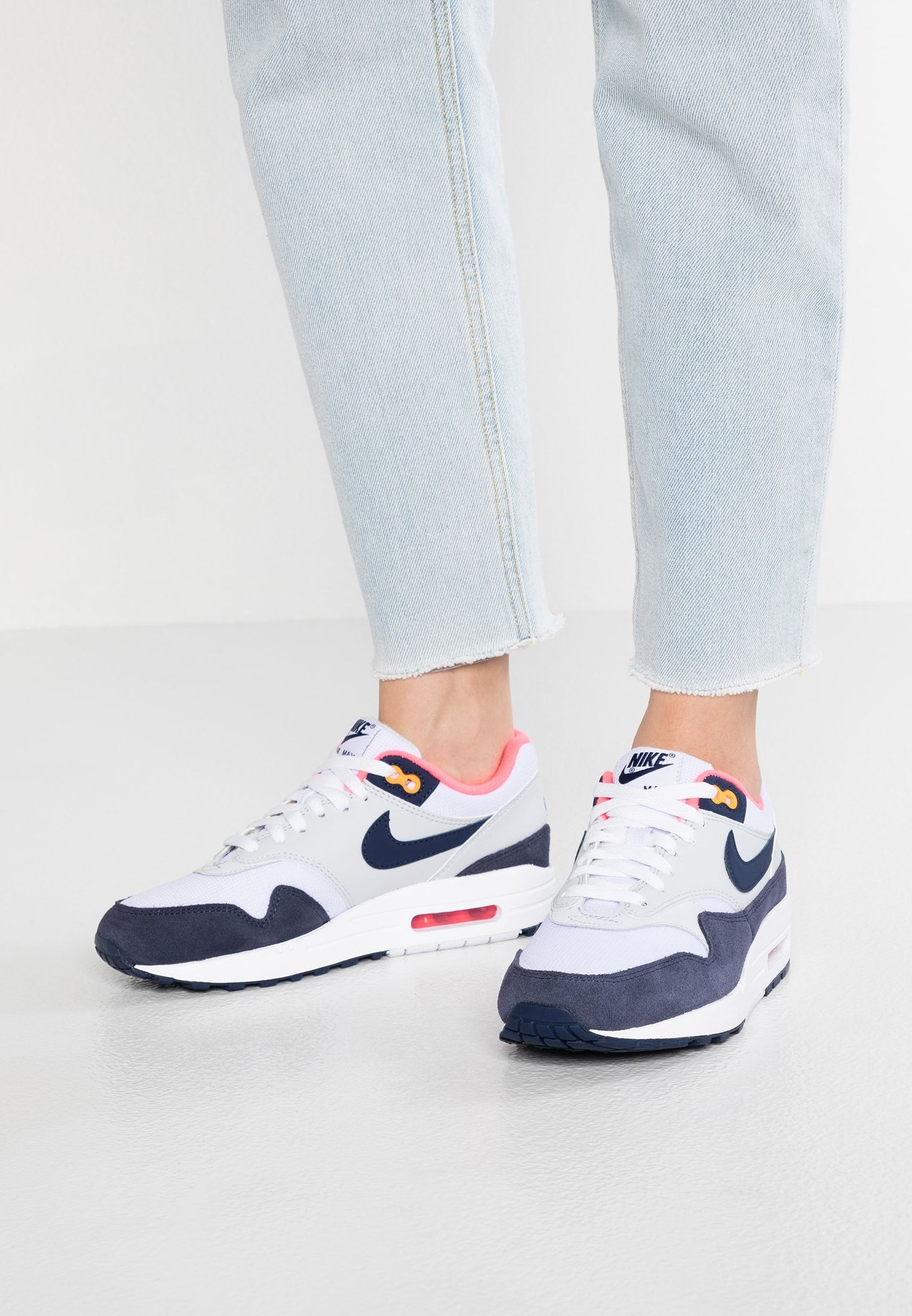 Nike Sportswear AIR MAX - Sneakers laag - white/midnight ...