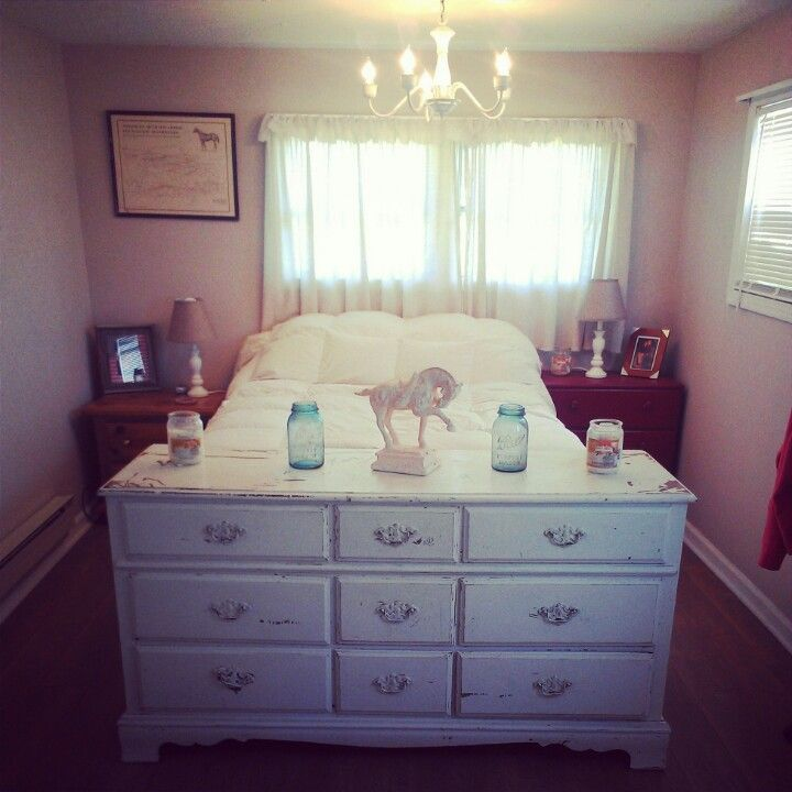 Bedroom Furniture Yard Sale: Small Bedroom ,chandelier , All Yard Sale Finds Style On A