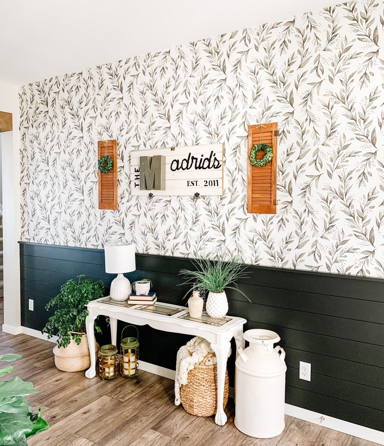 Entryway peel and stick wallpaper in 2020 peel and stick