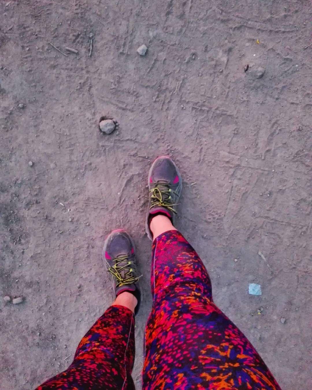 Lubie Swoje Nogi I Lubie Buty Asics Dobre Buty I Stanik To Podstawa Legginsy Moga Byc Nawet Z Lidla Ale Buty Buty Ulubione Musze Hiking Boots Shoes Boots