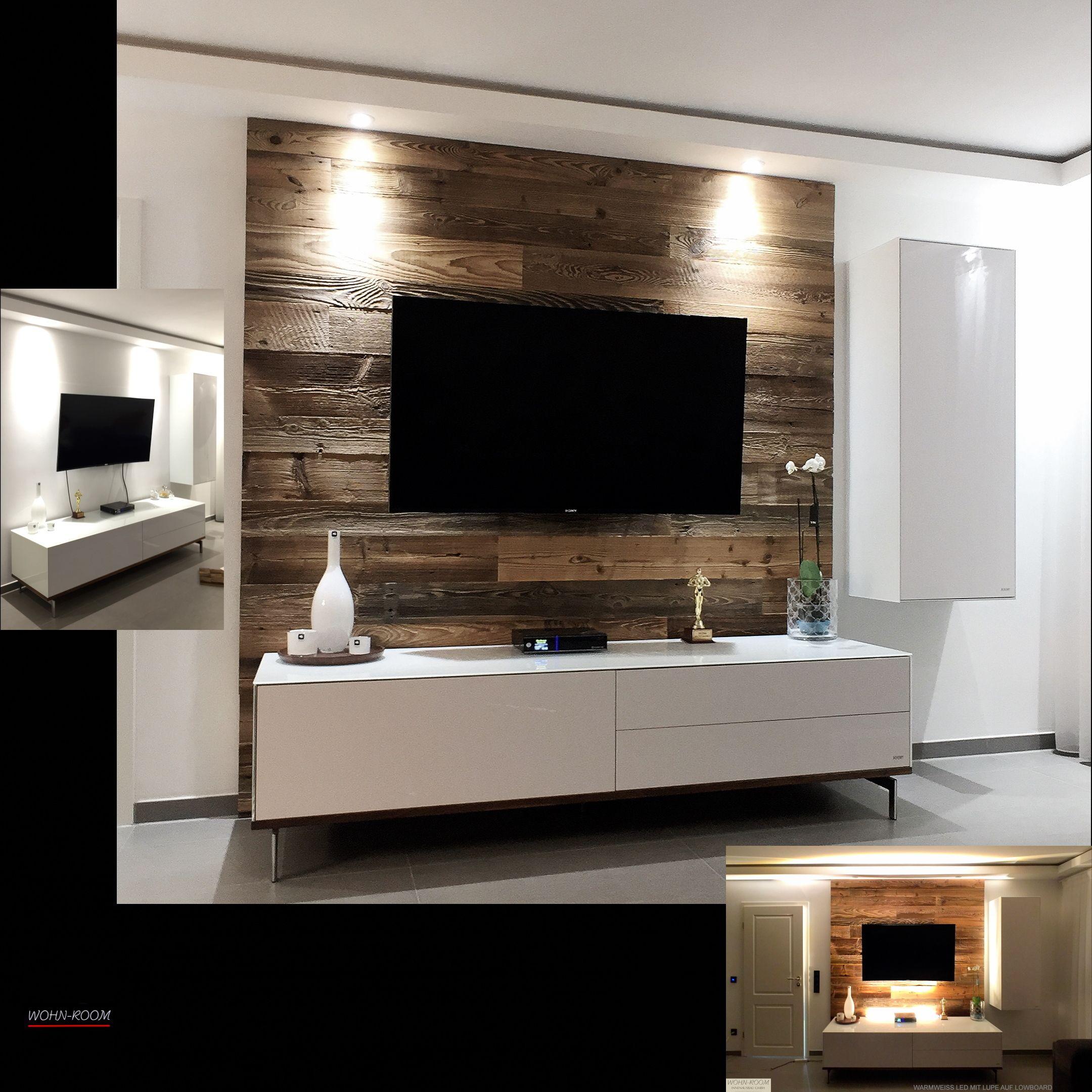 Tv Rückwand Aus Unserem Scheunenholz Hier Je Mit Kalt Und Warmlicht Holzwand Wohnzimmer Scheunenholz Holz Wohnzimmer