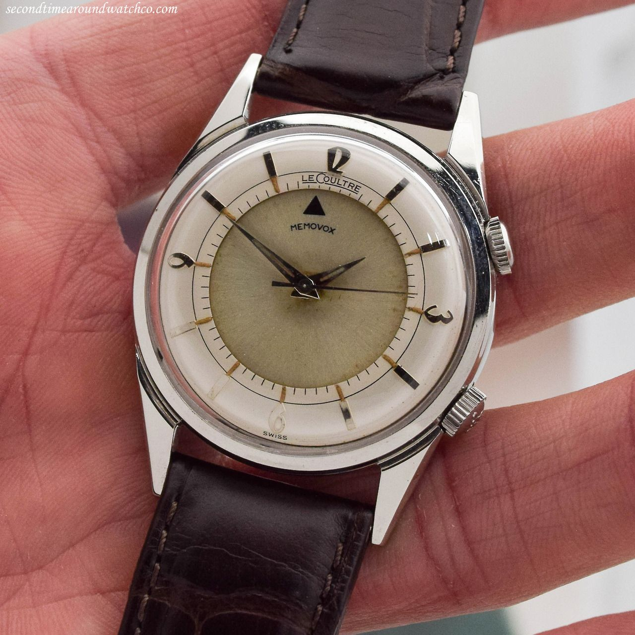 Bam! This is a sight to behold! Here we have a 1952 Jaeger LeCoultre Memovox Alarm Reference 2404. T... - #beauty #beverlyhills #instawatch #jaegerlecoultre #lecoultre #memovox #menswear #stawc #style #stylized #vintage #vintagestyle #vintagewatch #watches #watchesoftumblr #watchgeek #watchgram #watchpassion #whatsonmywrist #womenswear #wristcandy #wristgame #wristporn