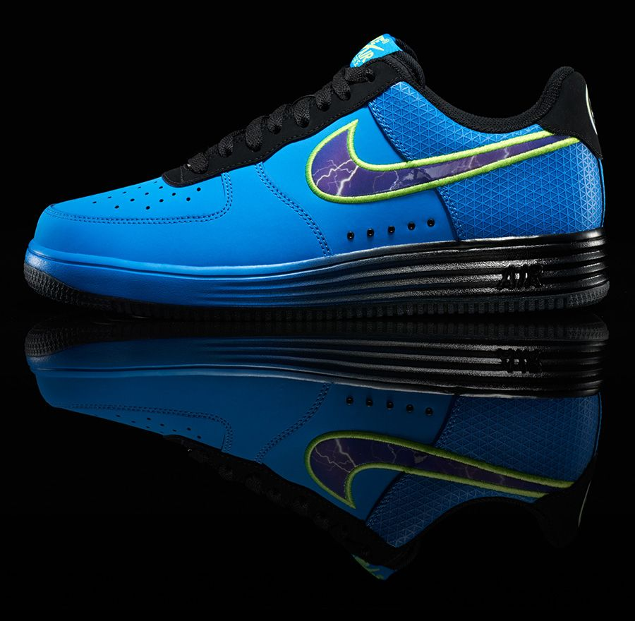 buy online 2cef4 59a49 Nike Lunar Force 1 Superhero Collection