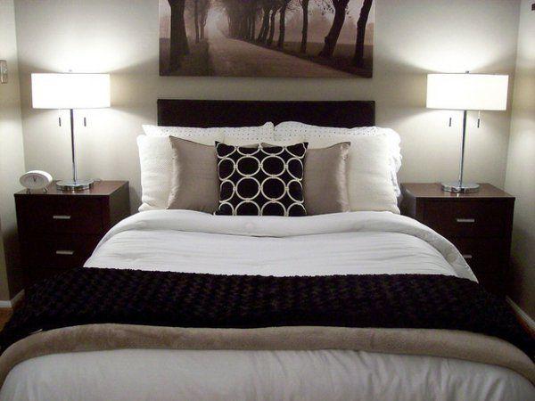 Kleines Schlafzimmer In Weiß Und Braun