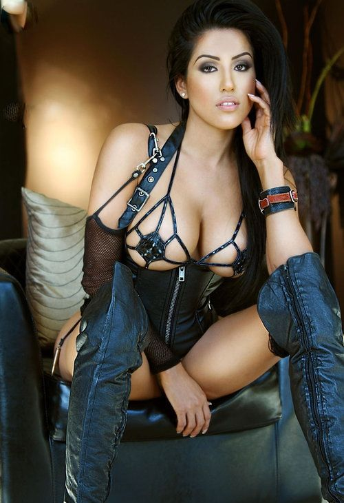 Busty Leather Porn 8