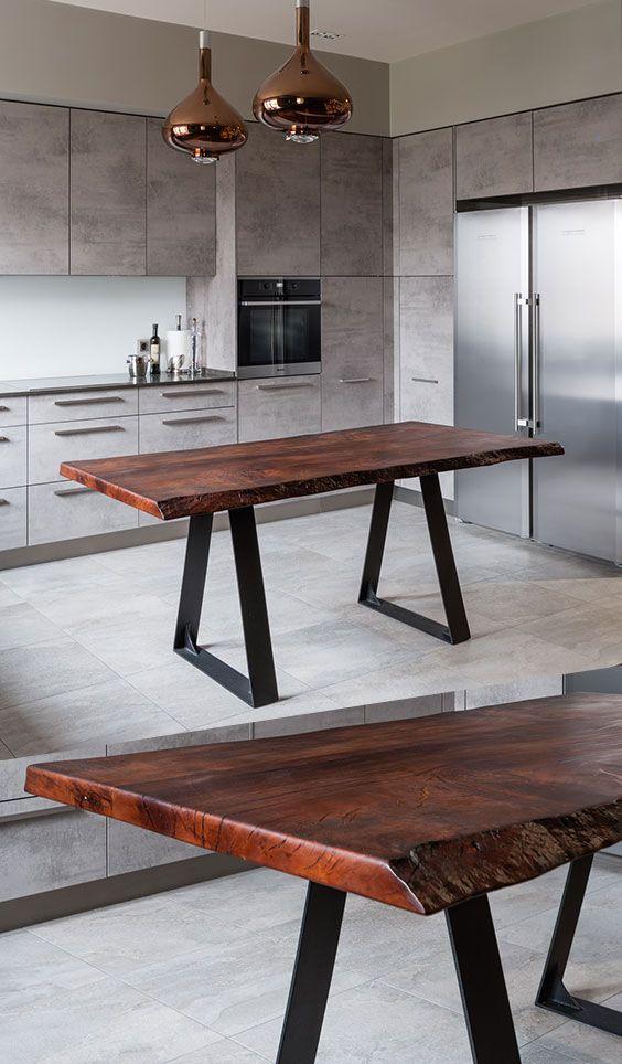 оригинальный обеденный стол в стиле лофт из массива дерева и