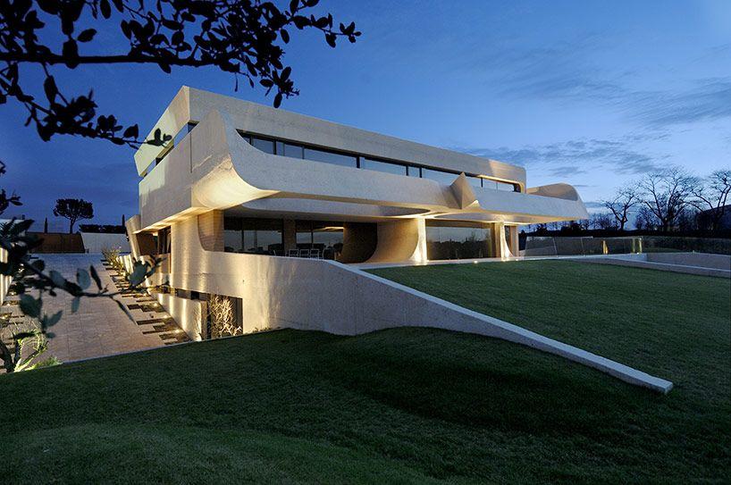 A Cero Architects Renovates The Mocha House In Madrid House Designs Exterior Architecture Architecture Design