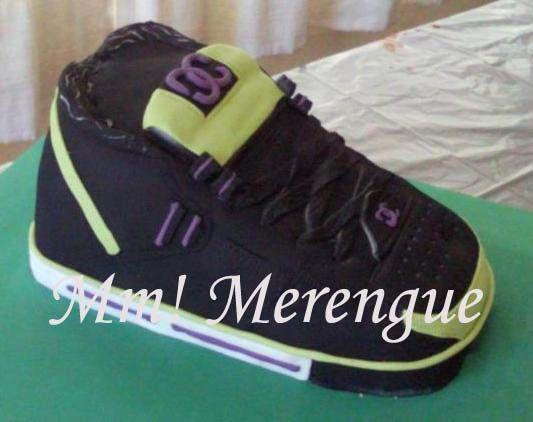 DC sneaker cake - Torta Zapatilla deportiva DC