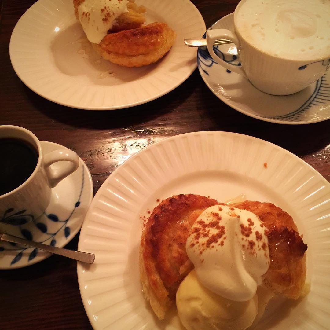 そして念願の #applepie#apple#pie#sweets#cafe#coffee#coffeetime#coffeebreak#nagoya#nagoyacafe#instagood#instafood#instacafe#vincennesdeux  #名古屋#カフェ#名古屋カフェ#カフェ巡り#名古屋カフェ巡り#カフェ部#名古屋カフェ部#純喫茶#喫茶店#ヴァンサンヌドゥ  #あやのカフェ活