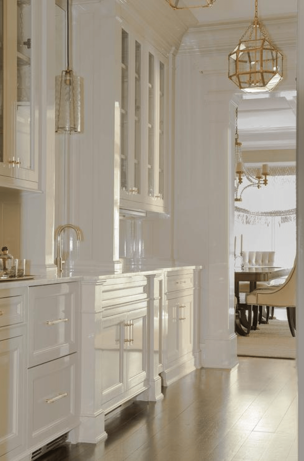 25 Stunning Butler's Pantries | Kitchen butlers pantry ...