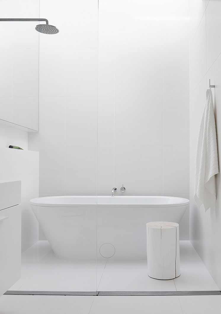 Relaxing bath and bed - via cocolapinedesign.com