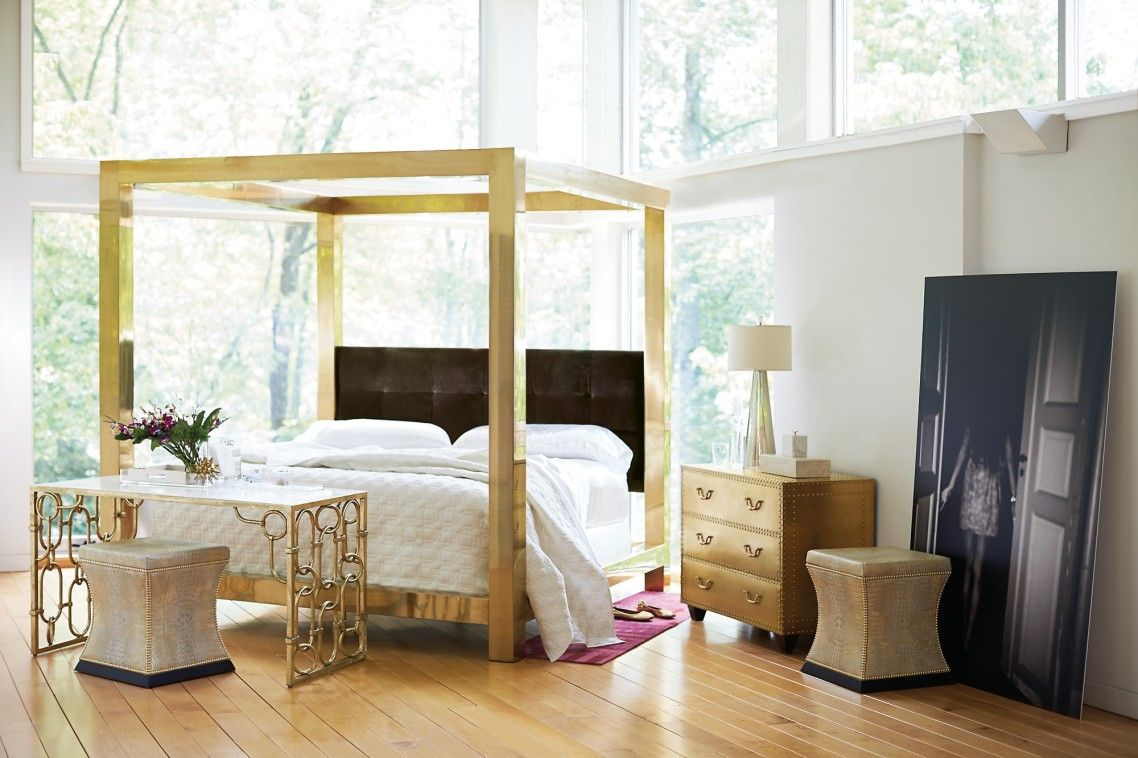 Incredible Chic Canopy Bed Ideas With Gold Square Pillar Canopy Metal Bed Frames Cube Shaped Styles And T Metal Canopy Bed Canopy Bed Frame Bernhardt Furniture