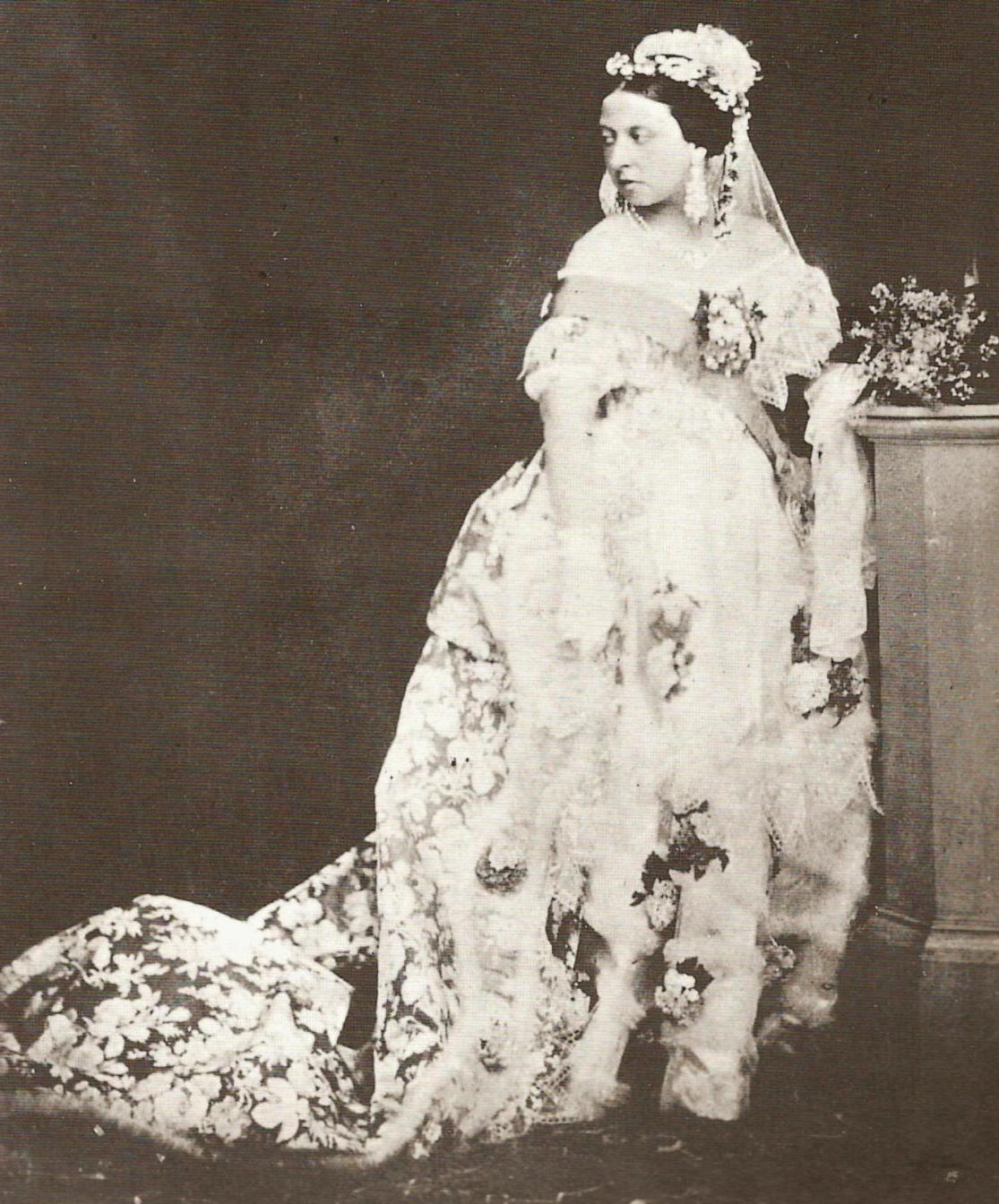 Queen Wedding: Queen Victoria Wedding Ring
