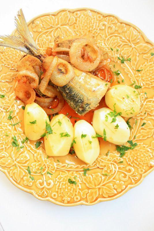 """Pratos e Travessas: Carapaus fritos com molho de escabeche """"a fingir""""   Food, photography and stories"""
