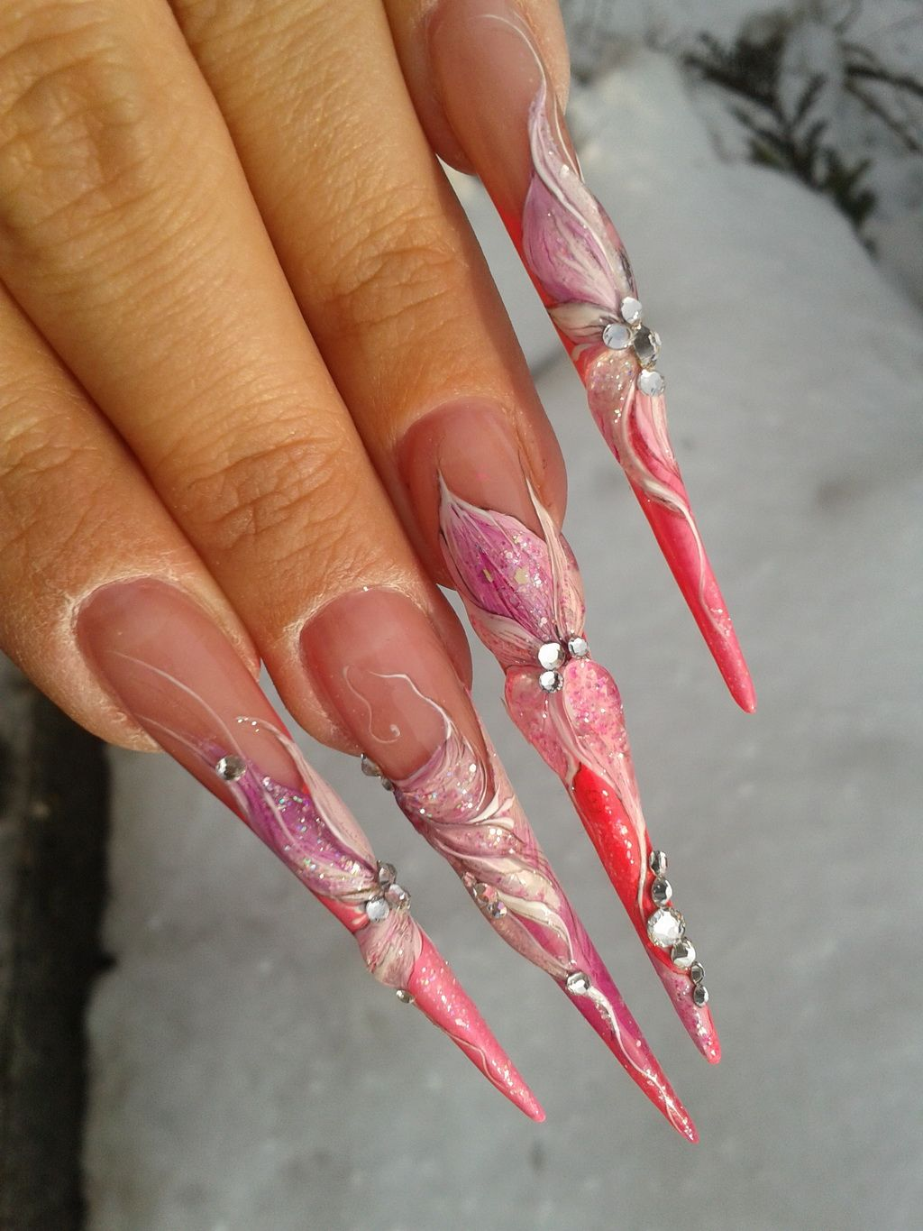 Acrylic nails - I don\'t know how you\'d actually wear these and do ...