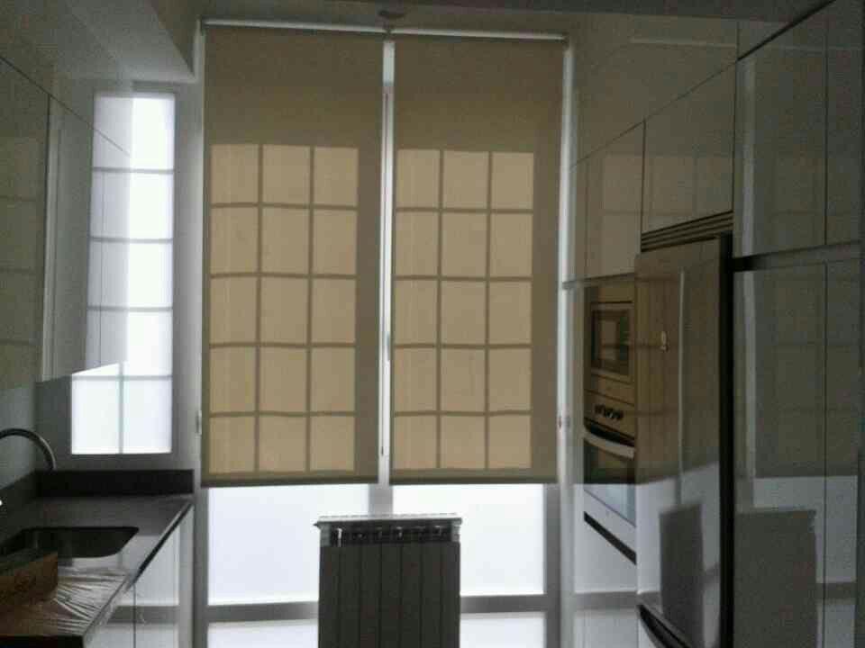 Estor enrollable de screen de fibra de vidrio en - Apartamentos sagasta ...