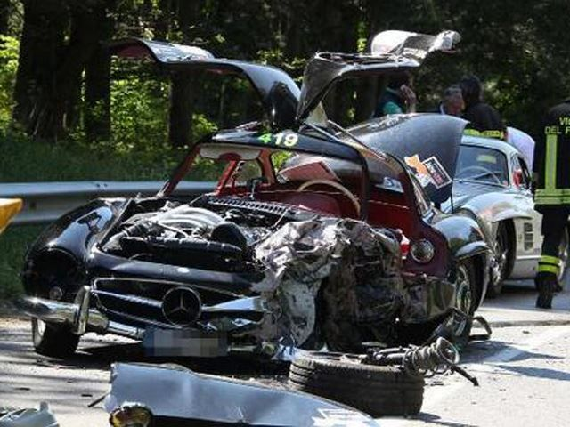 1956 Mercedes 300SL Gullwing Crashes at Mille Miglia