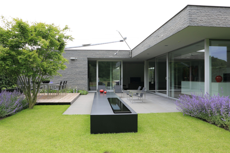 Strak waterelement hedendaagse strakke tuin pinterest verandas bungalow and gardens for Tuin modern design