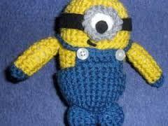 """Résultat de recherche d'images pour """"bonnet minion au crochet"""""""