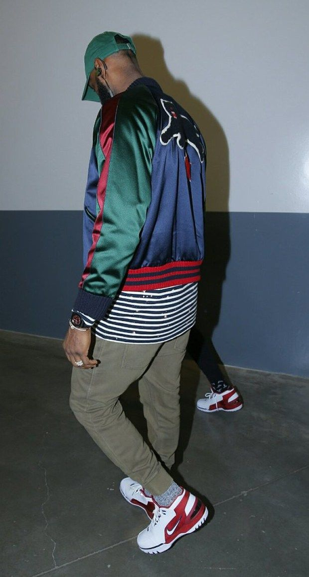 3a4e7a2fe8849 LeBron James in the Nike Air Zoom Generation