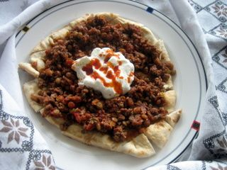Green Lentil Ground Beef On Pide Green Lentils Ground Beef Turkish Recipes