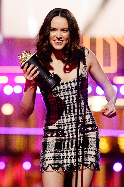 Daisy Ridley accepts the Movie of the Year award for 'Star Wars: The Force Awakens' onstage during the 2016 MTV Movie Awards at Warner Bros. Studios on April 9, 2016 in Burbank, California