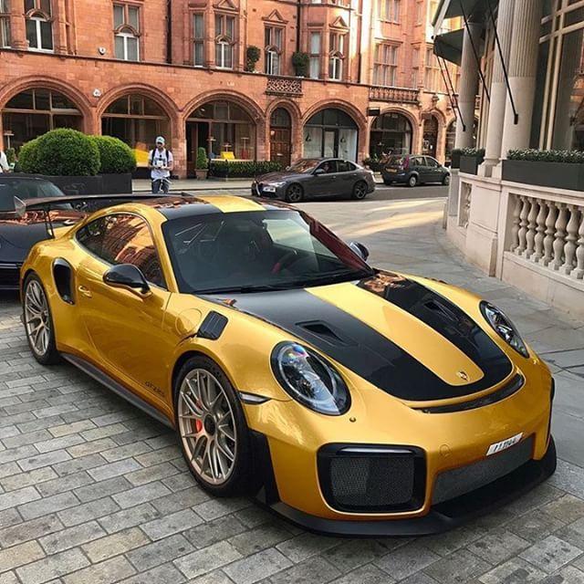 Nicest Porsche Cars Around: VOW... Pretty Nice... Maybe If I Was Single :-) Via