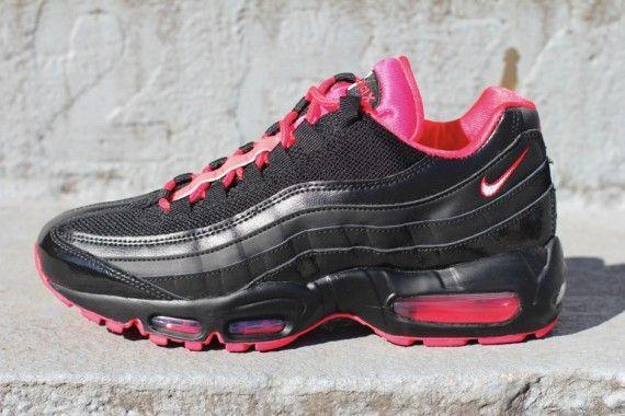 brand new 621c7 30d8a Nike Air Max 95 Women s