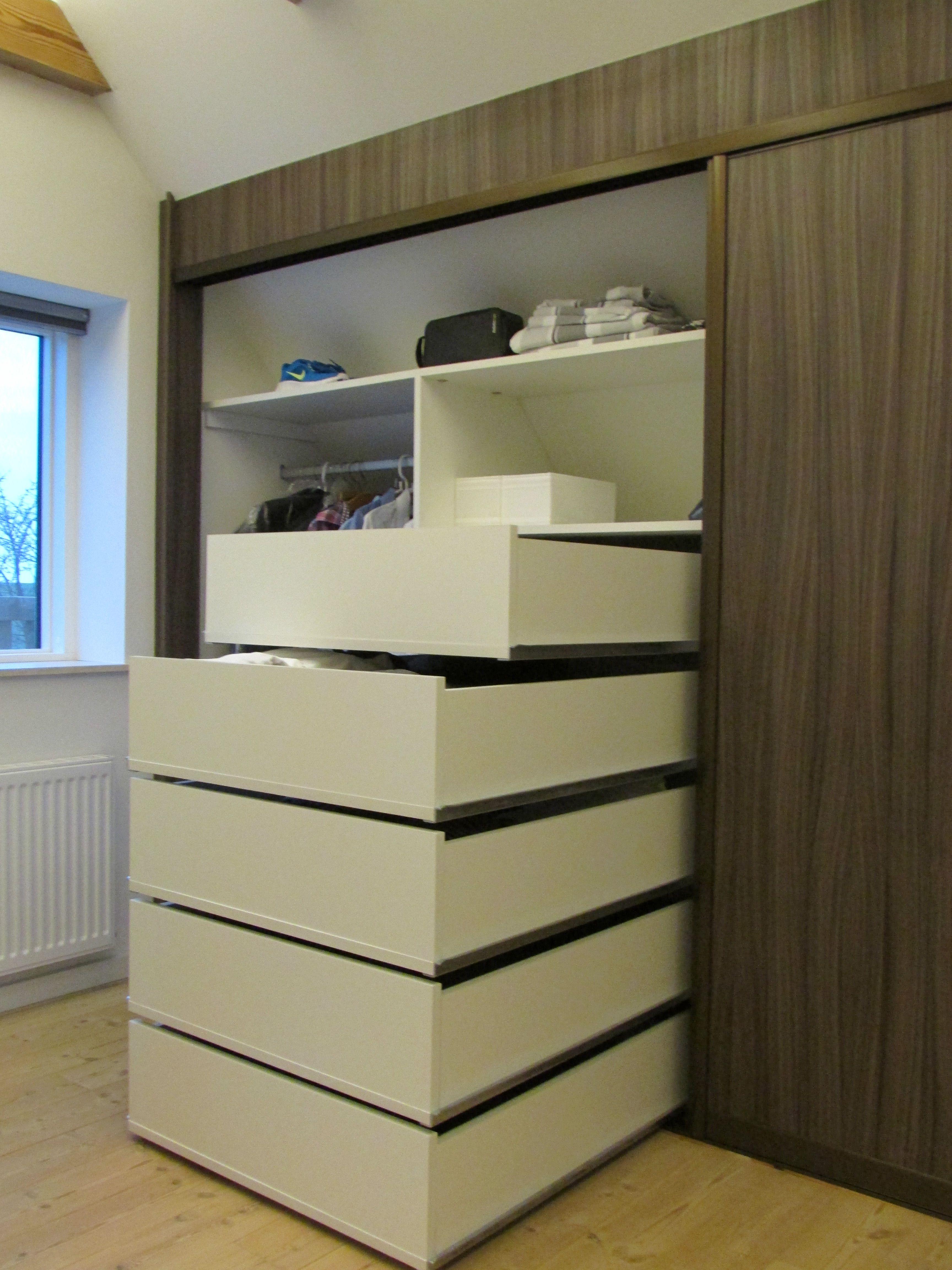 skunk garderobe garderobe inspirasjon pinterest wardrobes. Black Bedroom Furniture Sets. Home Design Ideas