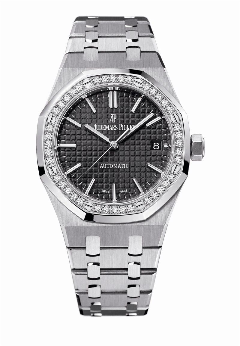 2427ff684255 Audemars Piguet Ladies Royal Oak Lady  Self-winding watch with date display  and center seconds. Stainless steel case