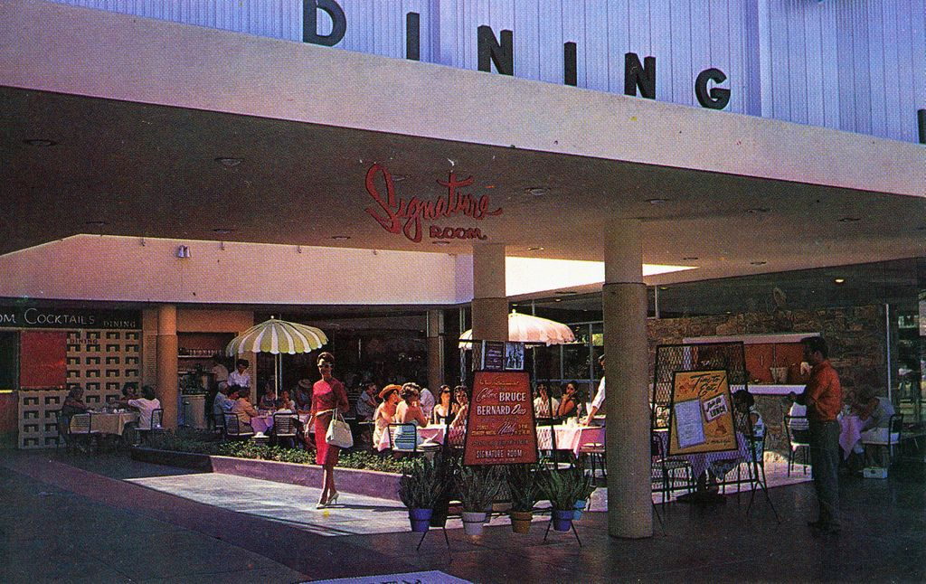 Patio Dining in Palm Springs CA Patio dining, Patio