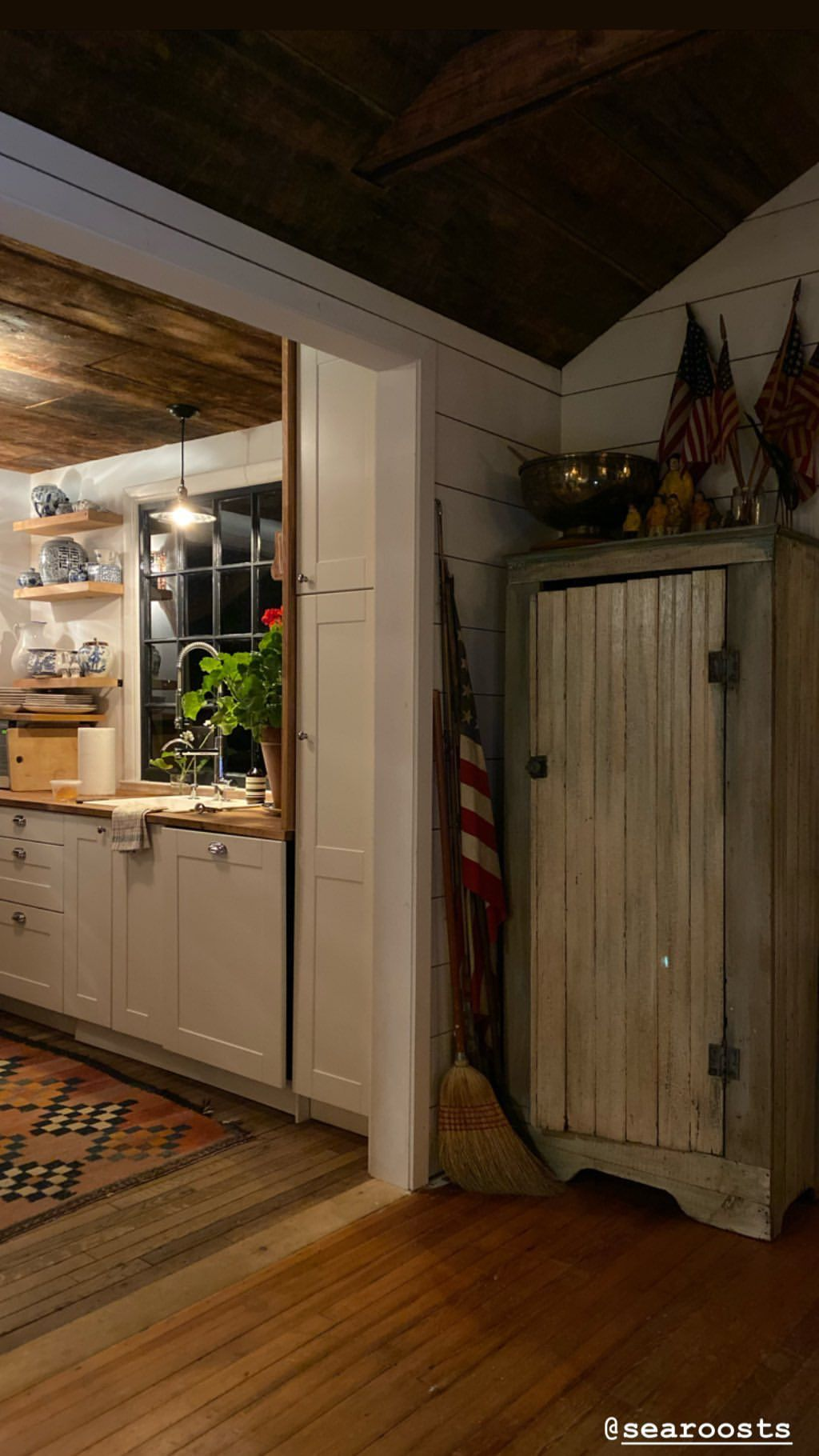 Pin by Geri Parisi on Cabin Living Cabin living, Cabin, Live