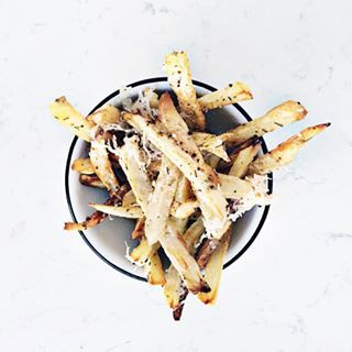 Happy Fry-Day!  Crispy Oven Fries Two Ways (Rosemary Parmesan & Chipotle for those who like some ). Recipe is on the blog- link in profile.